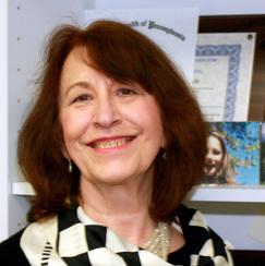 Portrait Photo of Sharon Lynch